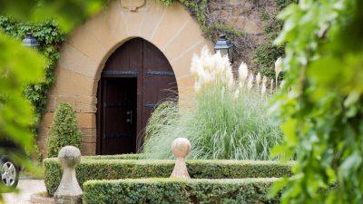 Bodega Castillo de Cuzcurrita para vinos de guarda en La Rioja